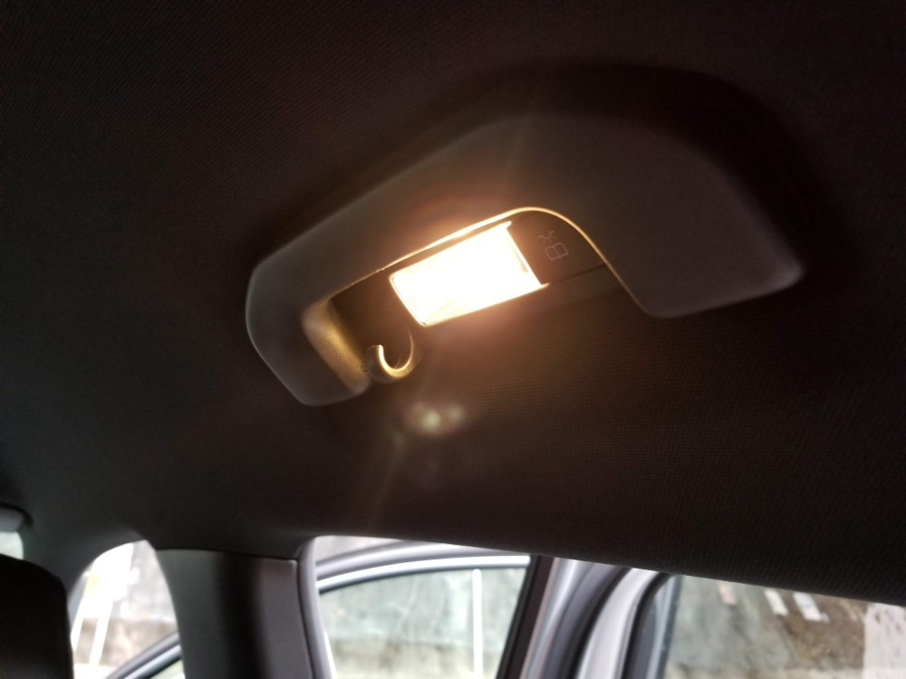 新型Aクラスの内装 ライト