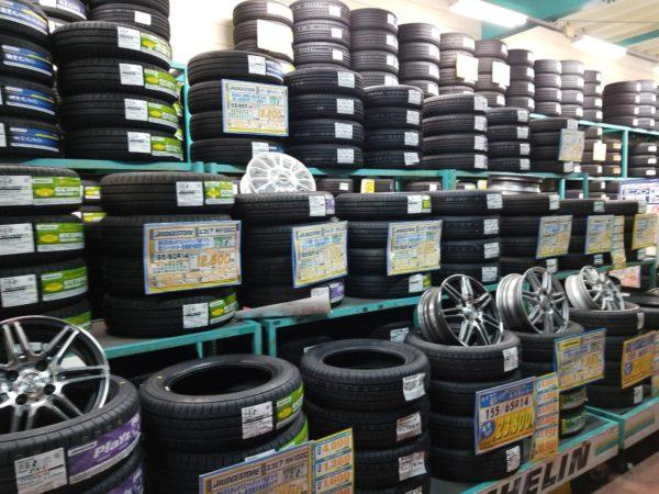 タイヤ販売コーナー