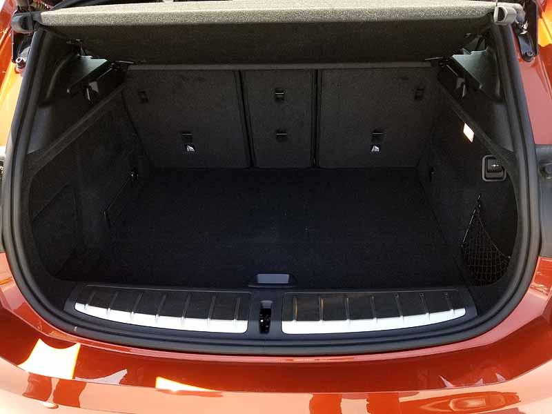 BMWX2のラゲッジスペース