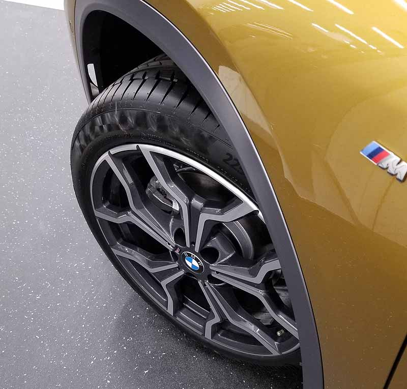 BMWX2の純正ホイール