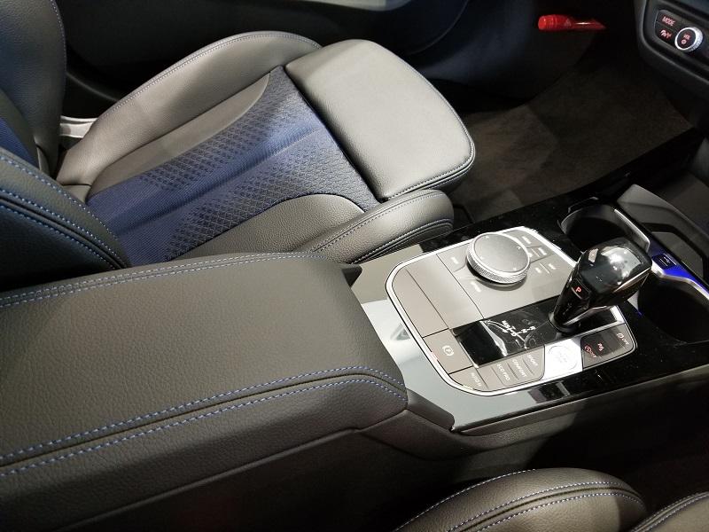BMW新型1シリーズのアームレスト