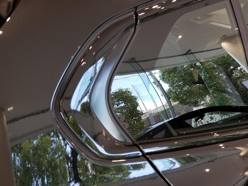 BMW新型1シリーズのCピラー