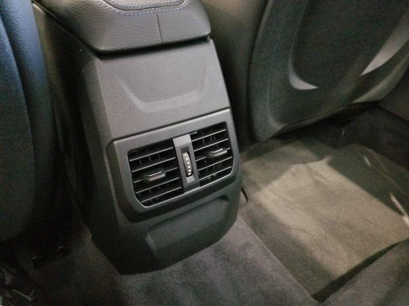 BMW新型1シリーズの後席空間