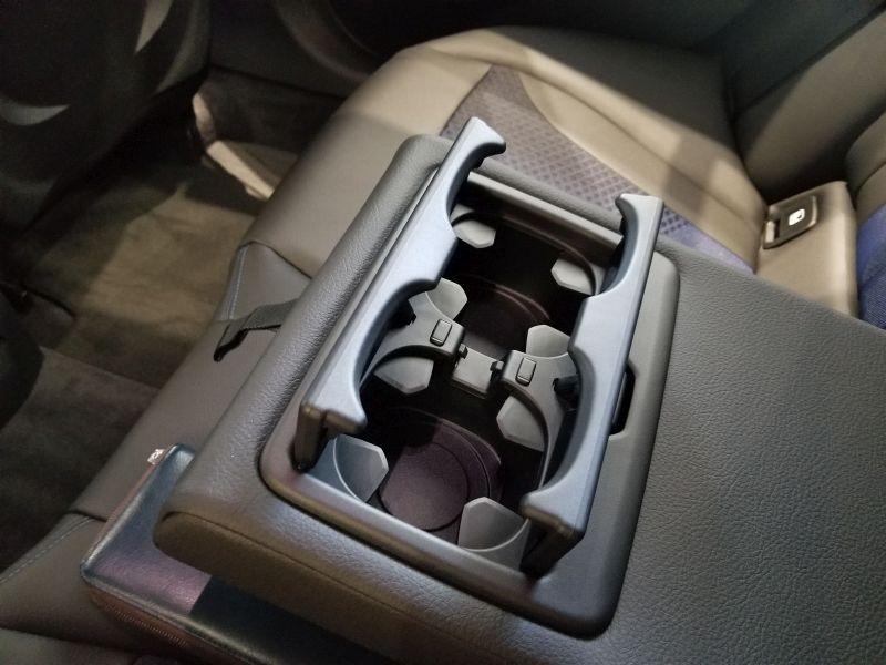 BMW新型1シリーズの後席アームレスト