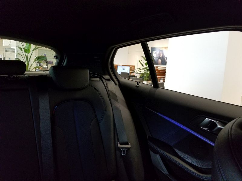 BMW新型1シリーズの左後方視界