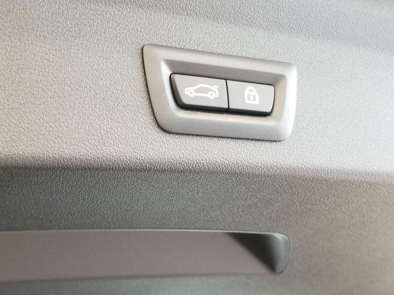 BMW新型1シリーズのテールゲートのスイッチ