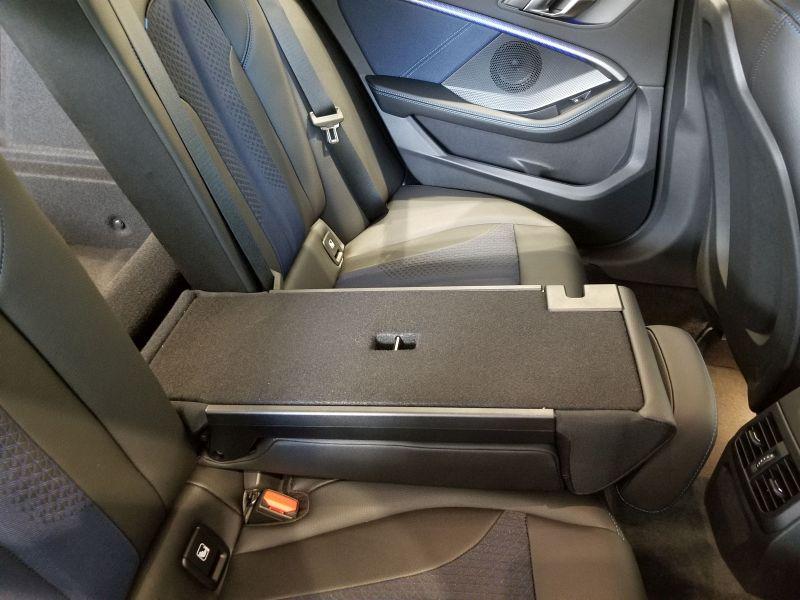 BMW新型1シリーズの後席アレンジ