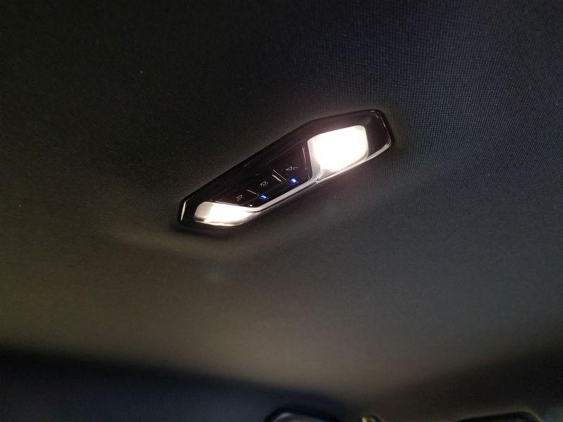 BMW新型1シリーズの車内照明