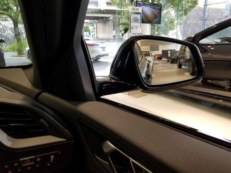 BMW新型1シリーズの前方視界