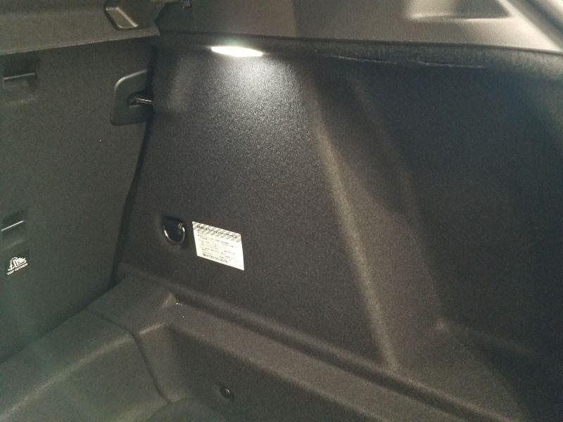 BMW新型1シリーズのラゲッジ
