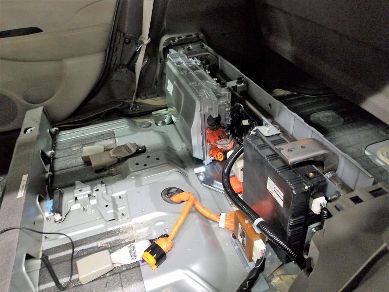 日産リーフの車載充電器