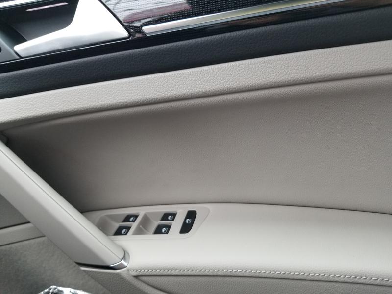 VWゴルフのドアパネル