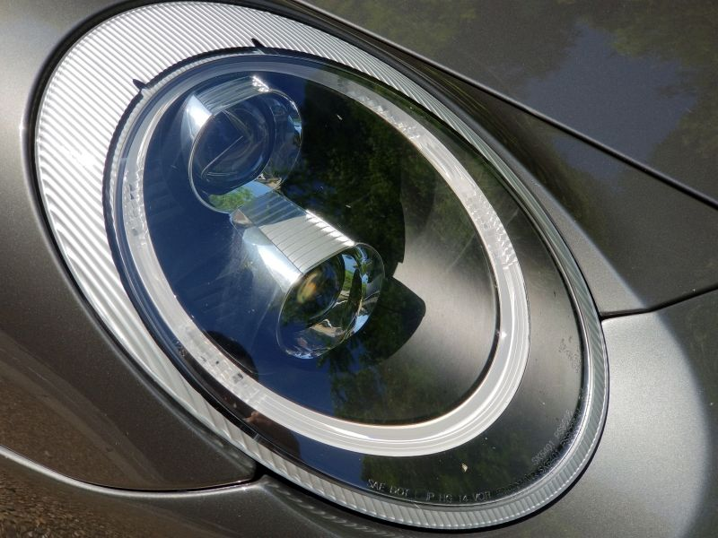 ポルシェ911カレラSのヘッドライト