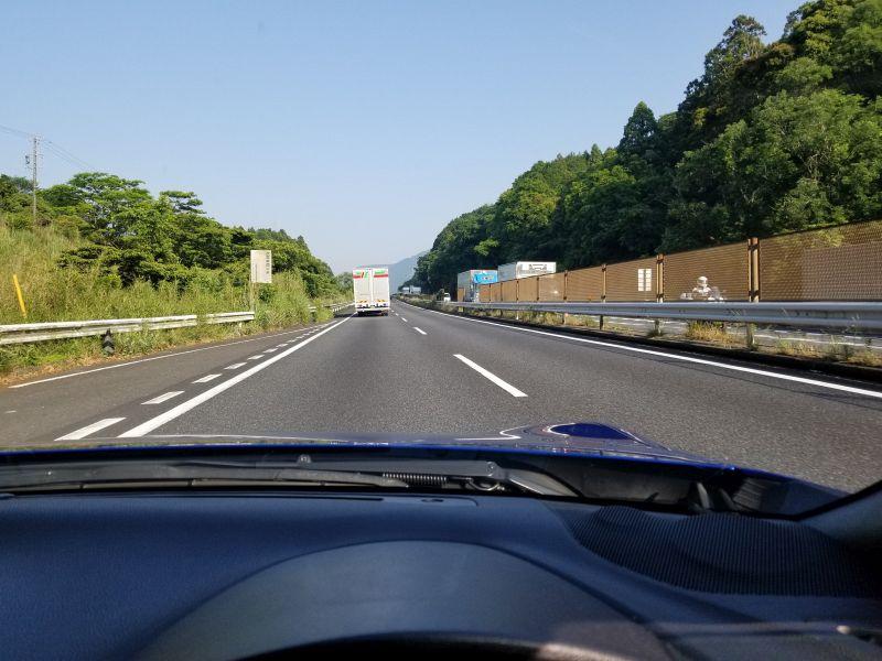 スバルBRZの高速走行