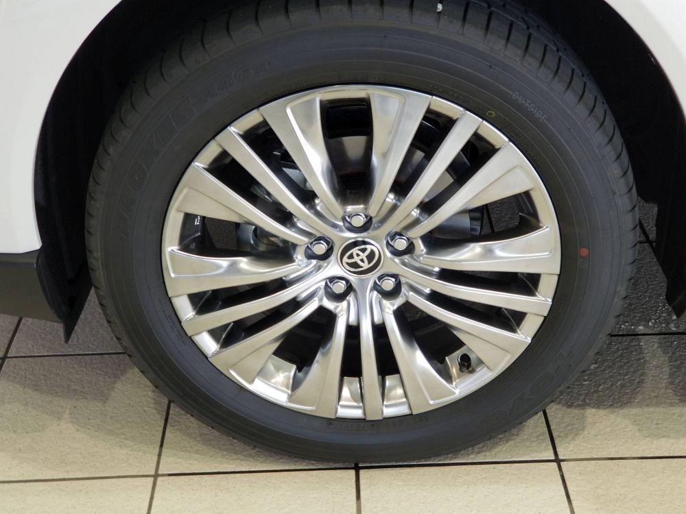 新型ハリアーの純正装着タイヤ