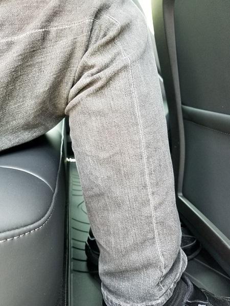 モデル3の後席座面