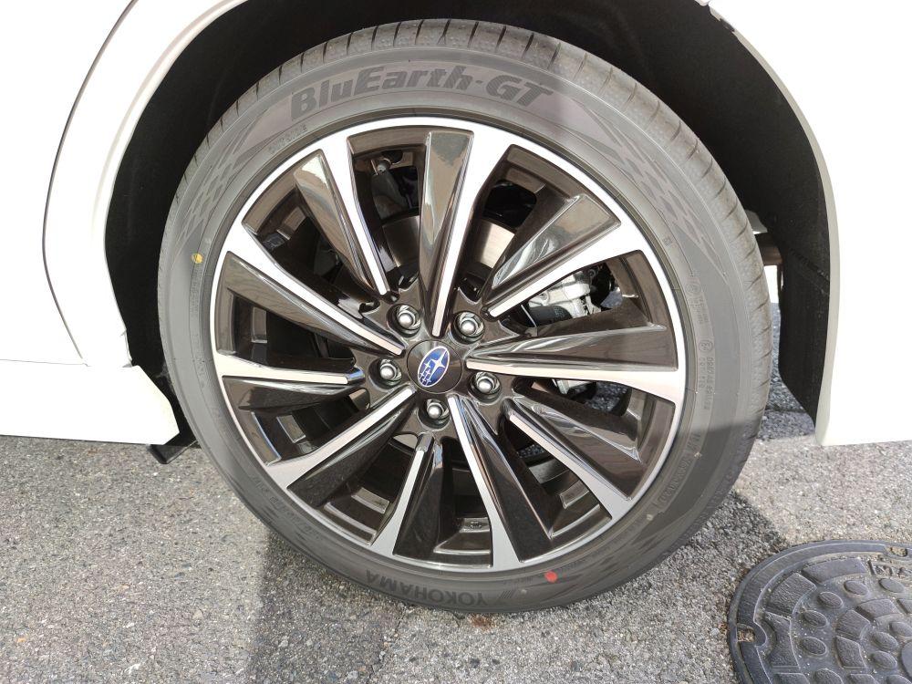 新型レヴォーグのタイヤ