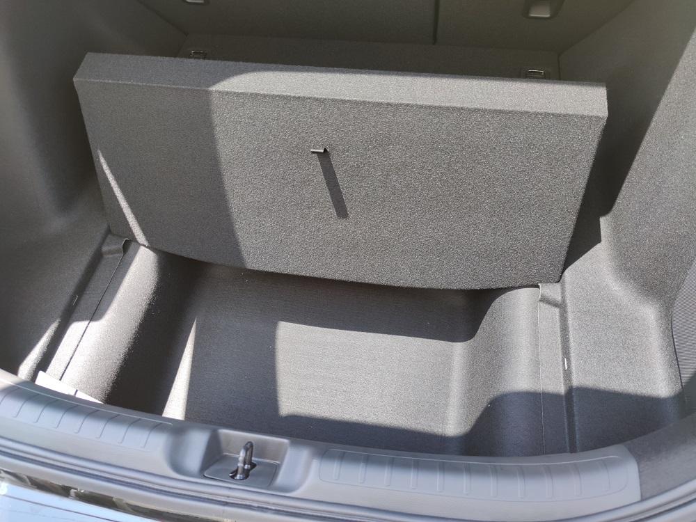 新型シビックの床下収納